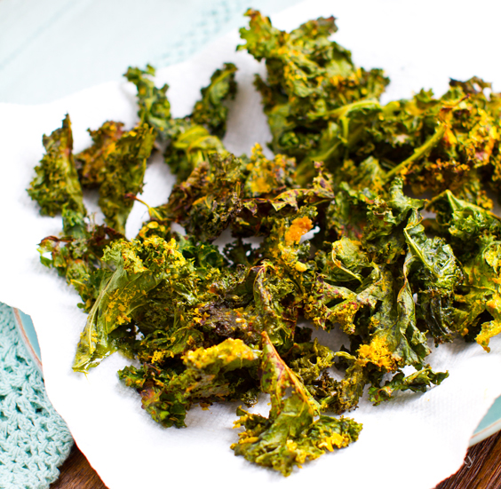 kale-chips-cheezy25207.jpg