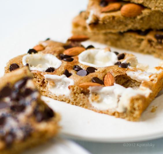 peanut-butter-blondie-cake-bars252021sq.jpg