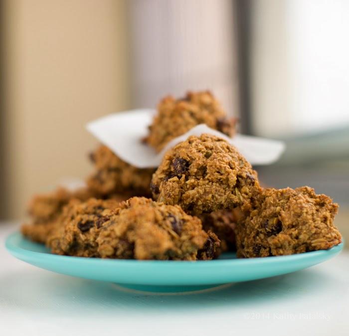 pile of oatmeal cookies