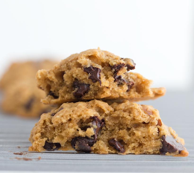 2015_08_20_banana-split-day-recipe_9999_76vegan-mint-oat-cookies-chocolate-chip1313820.png