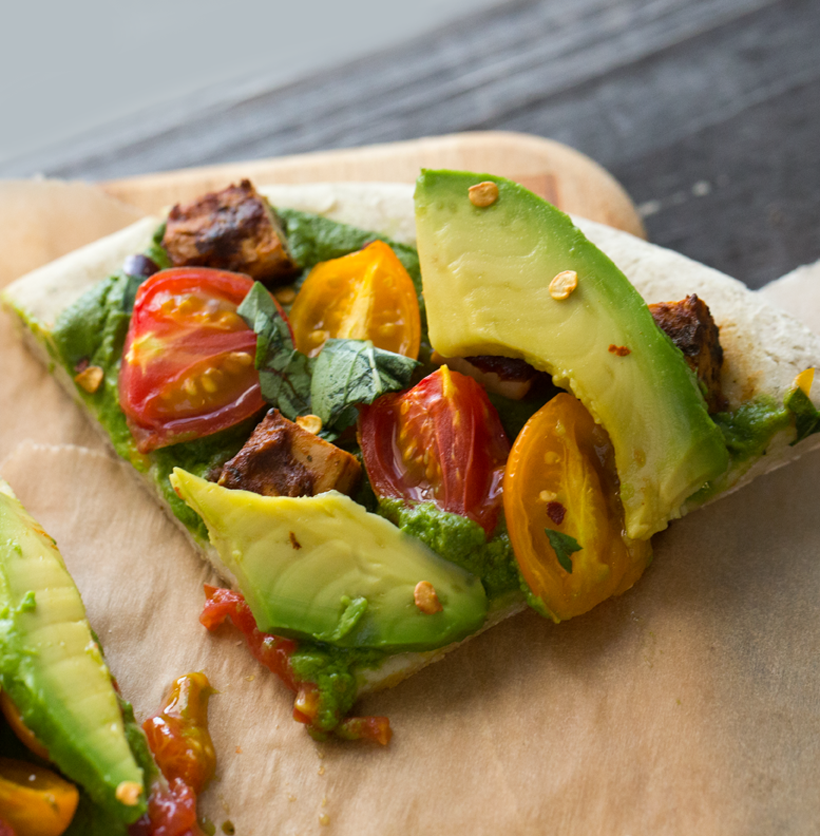 2016_07_23_healthyhappylife-vegan_9999_92pesto-avocado-pizza1313820.png