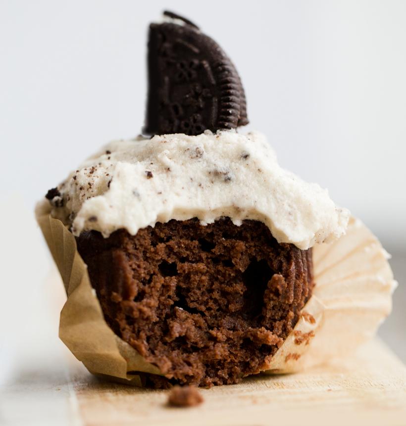 9-2017_01_22_9-22-16_9999_59healthyhappylifecookies-and-cream-cupcakes-vegan.png