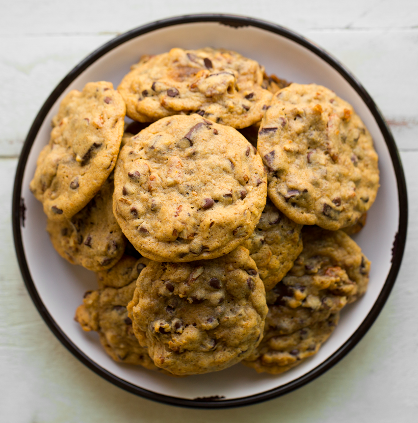 k-820-IMG_6568cookies-chocolate-chip-pecan-vegan.png