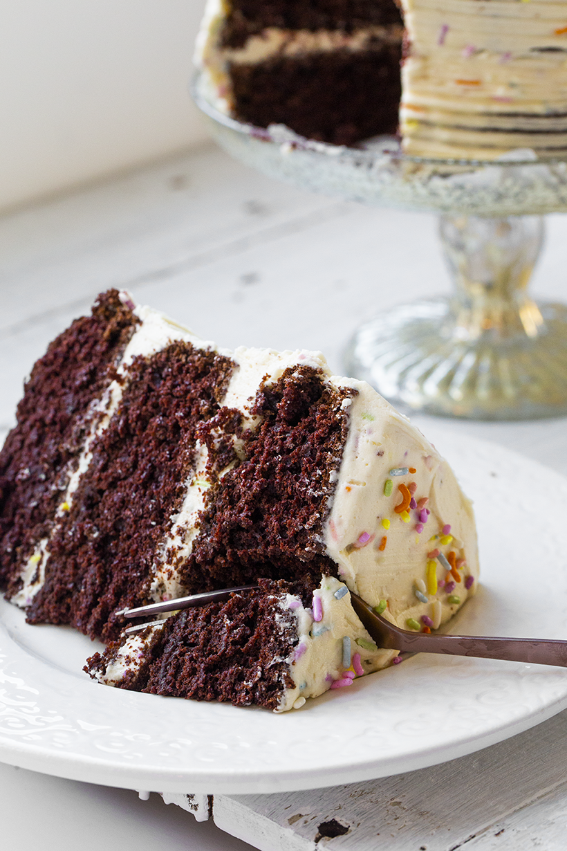 Remarkable Vegan Birthday Cake Dessert Chocolate Cake Healthyhappylife Com Funny Birthday Cards Online Overcheapnameinfo