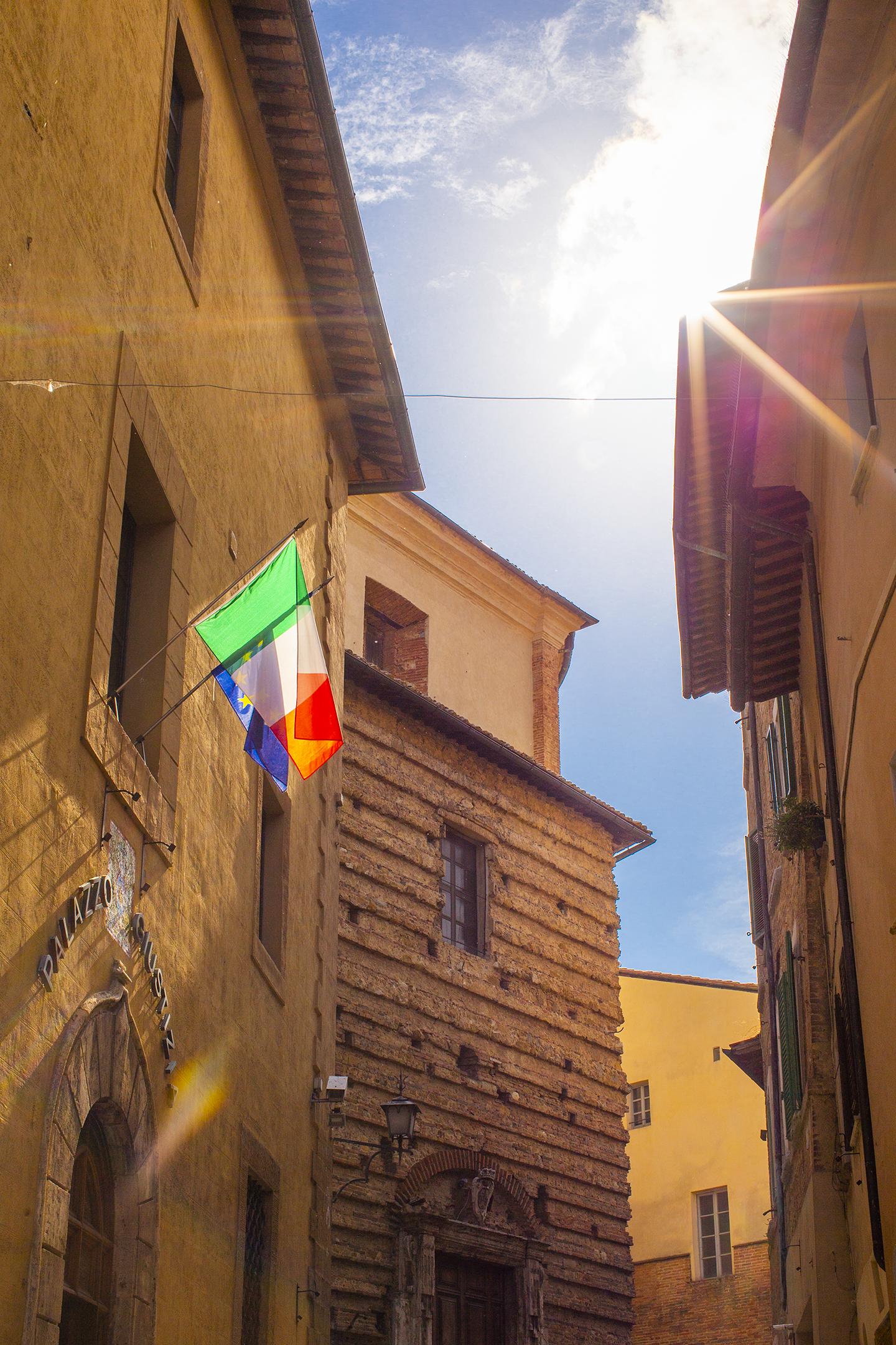 montepulciano italy flag