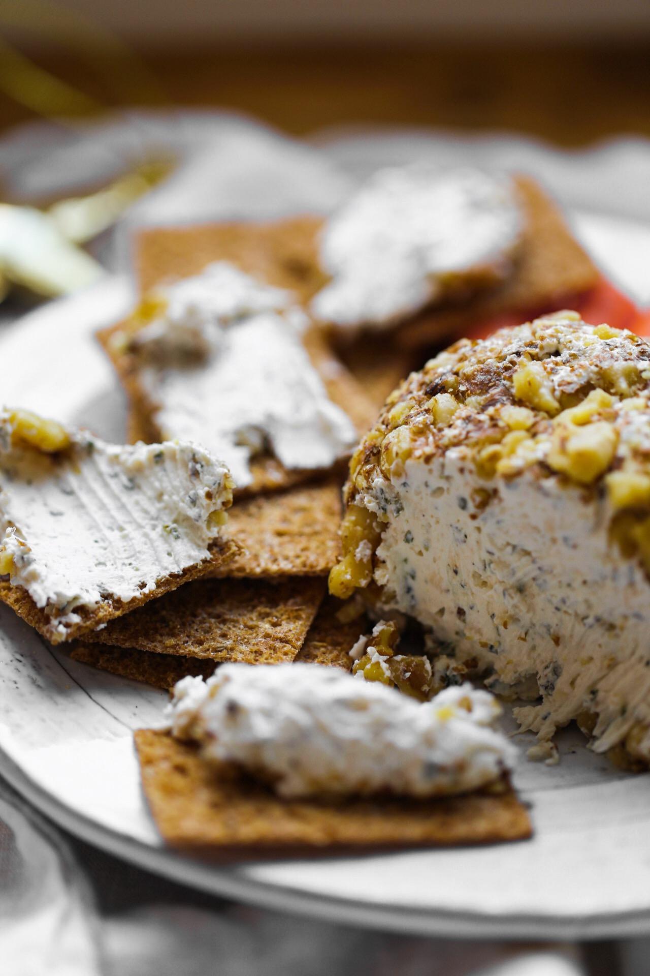 garlic herb cheese ball