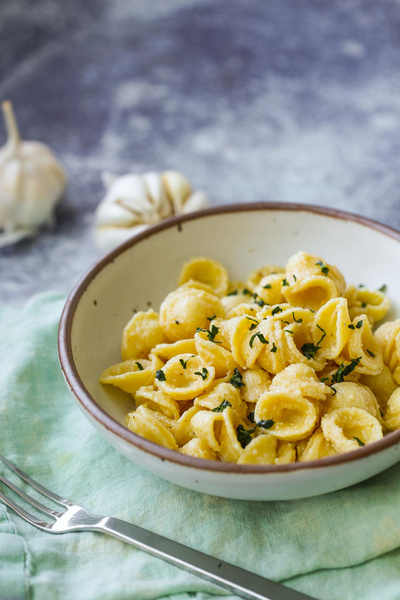 Aglio e Olio Pasta with kale on top