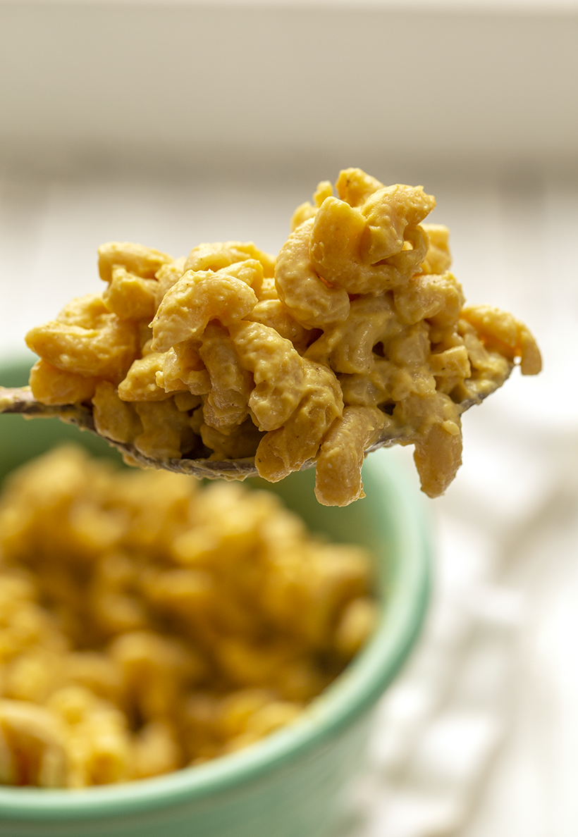 mac and cheese baked vegan spoonful