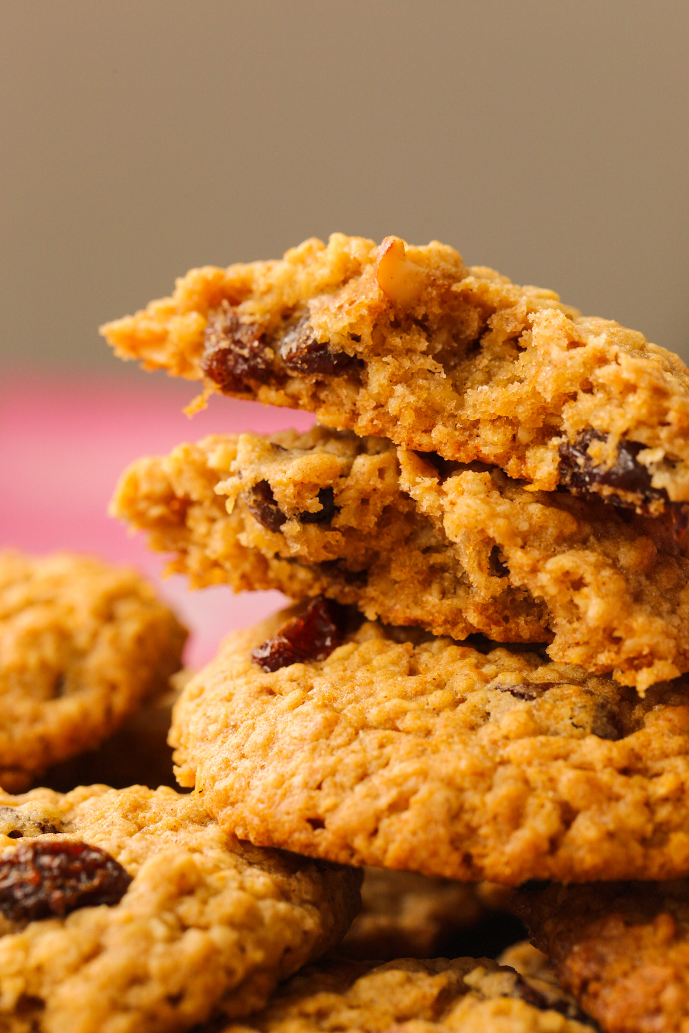inside of cookies with oats and raisins