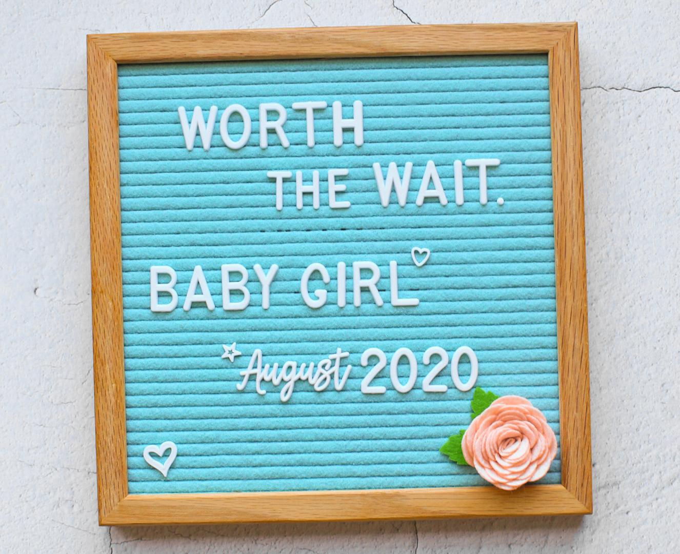pregnancy announcement letter board