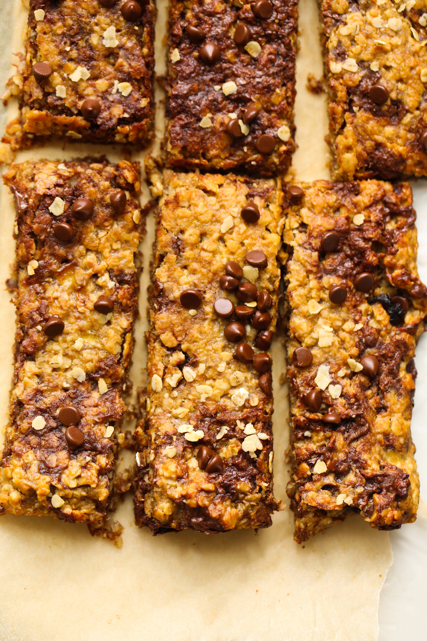 peanut butter chocolate chip flapjack bars close up