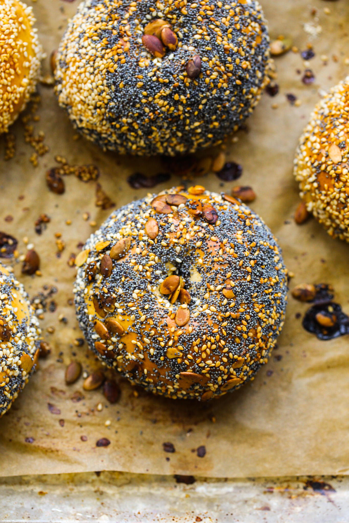 bagels with seeds