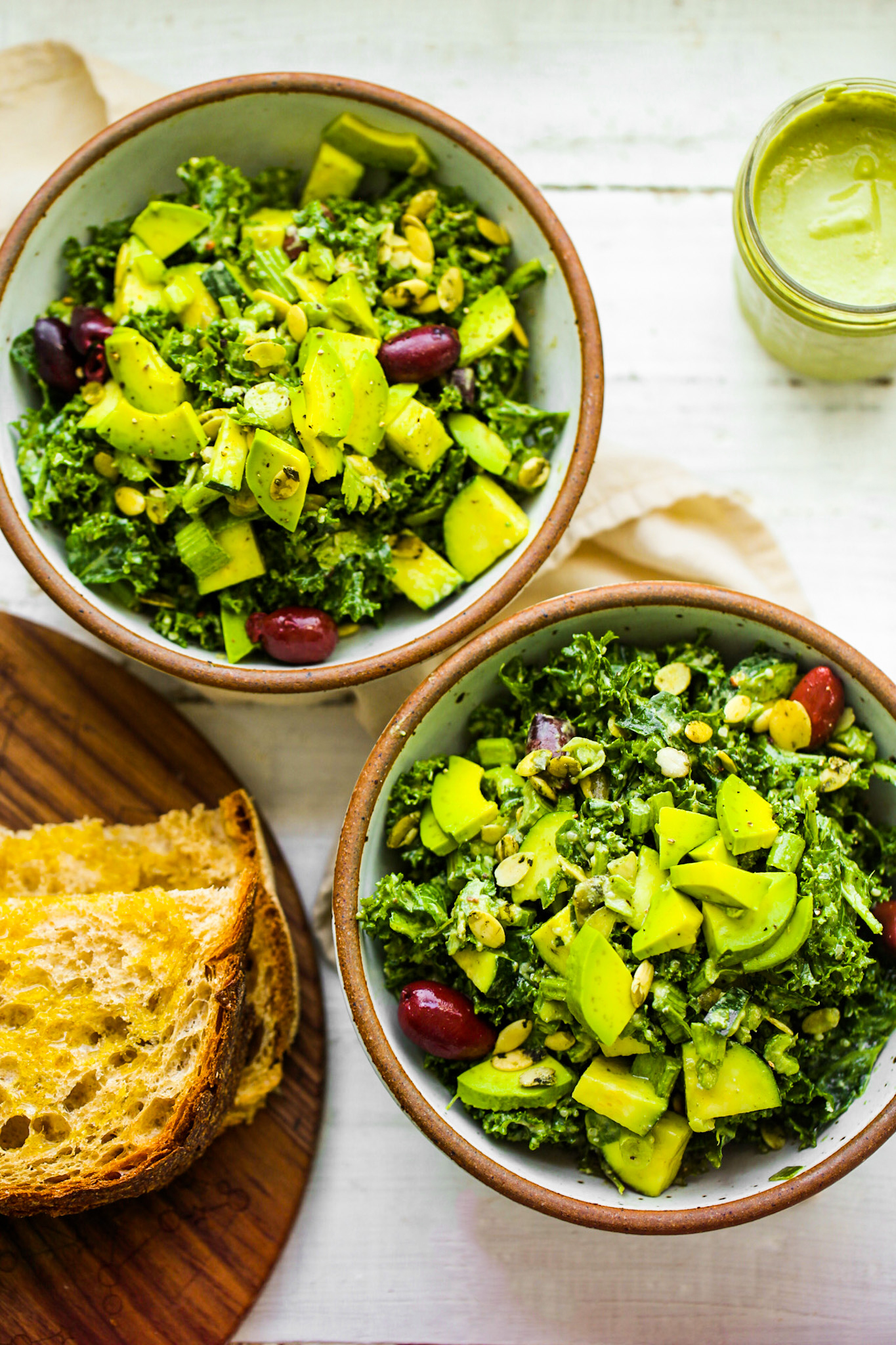 kale salads with avocado