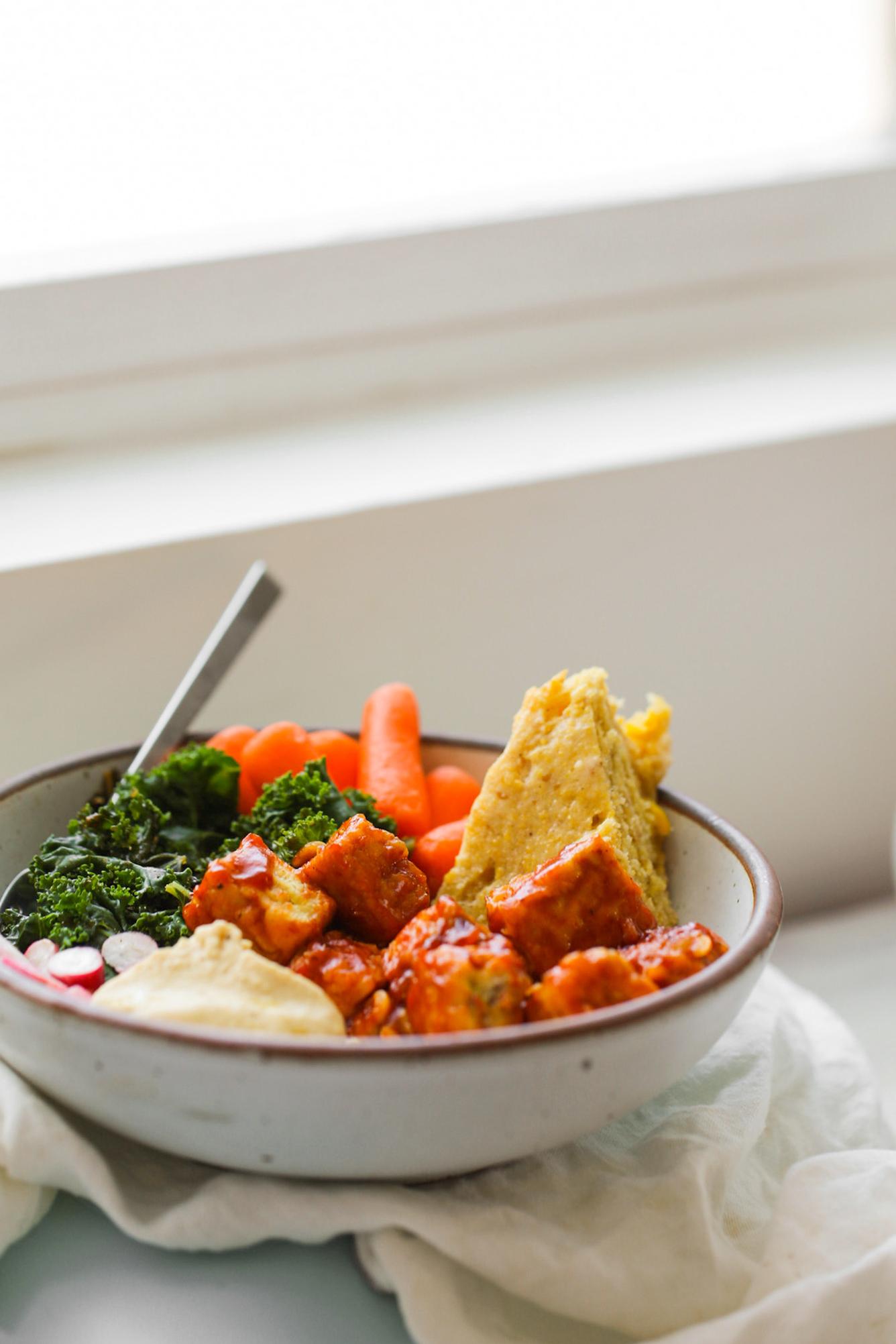 bbq tempeh kale bowl