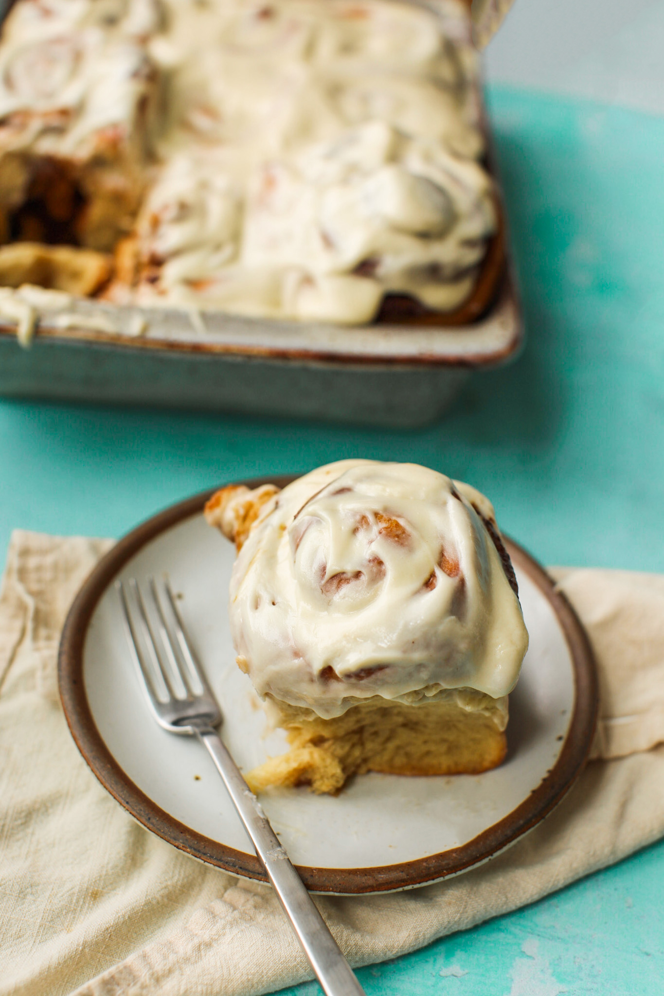 fluffy frosted cinnamon rolls