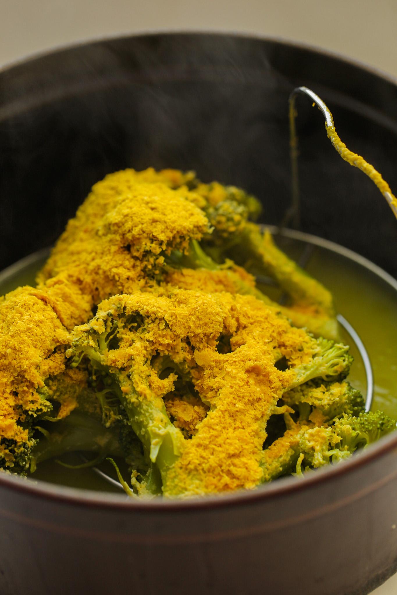 cheezy steamed broccoli