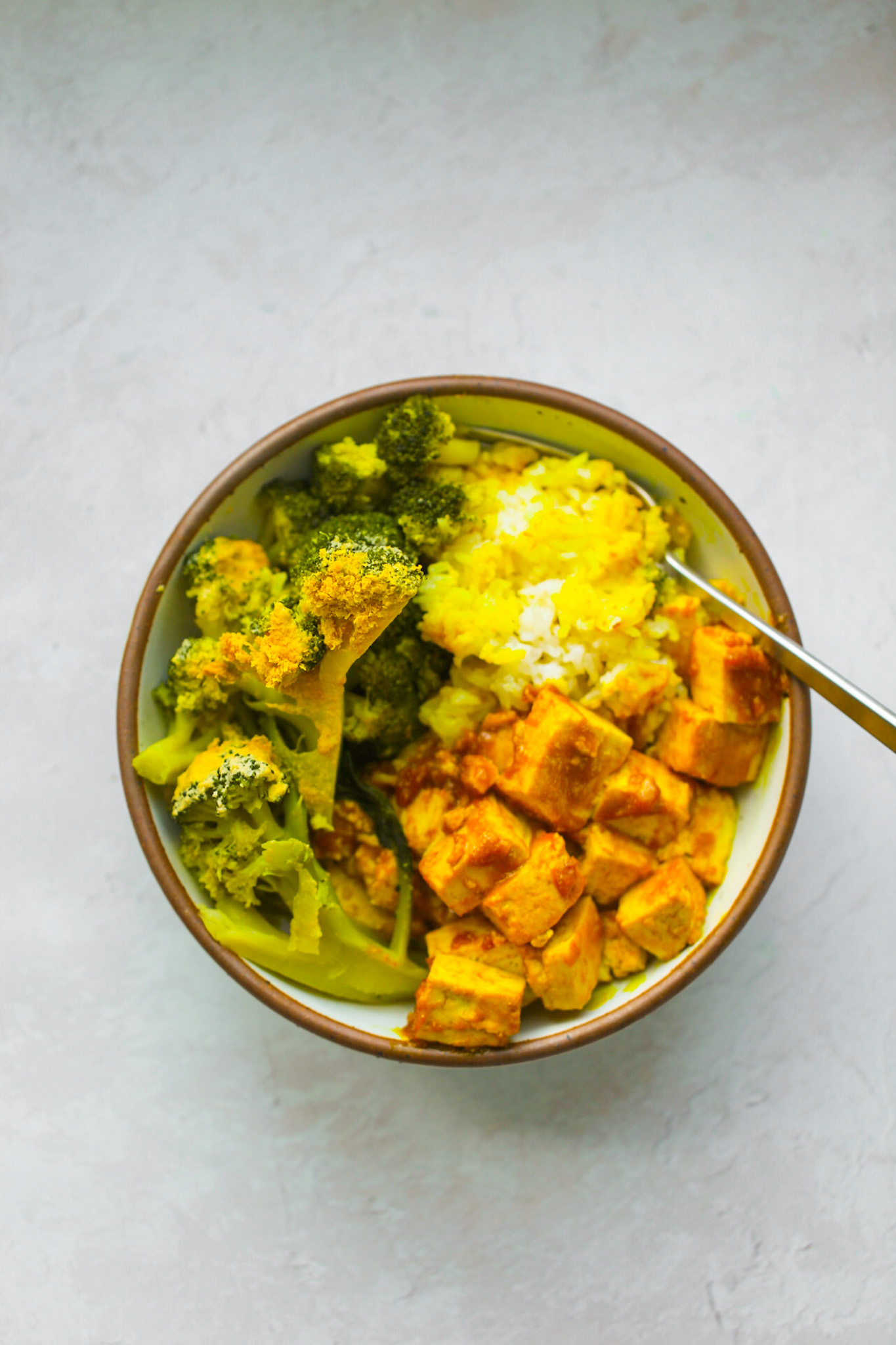 Veggie Rice Bowls with Peanut Sauce and Tofu