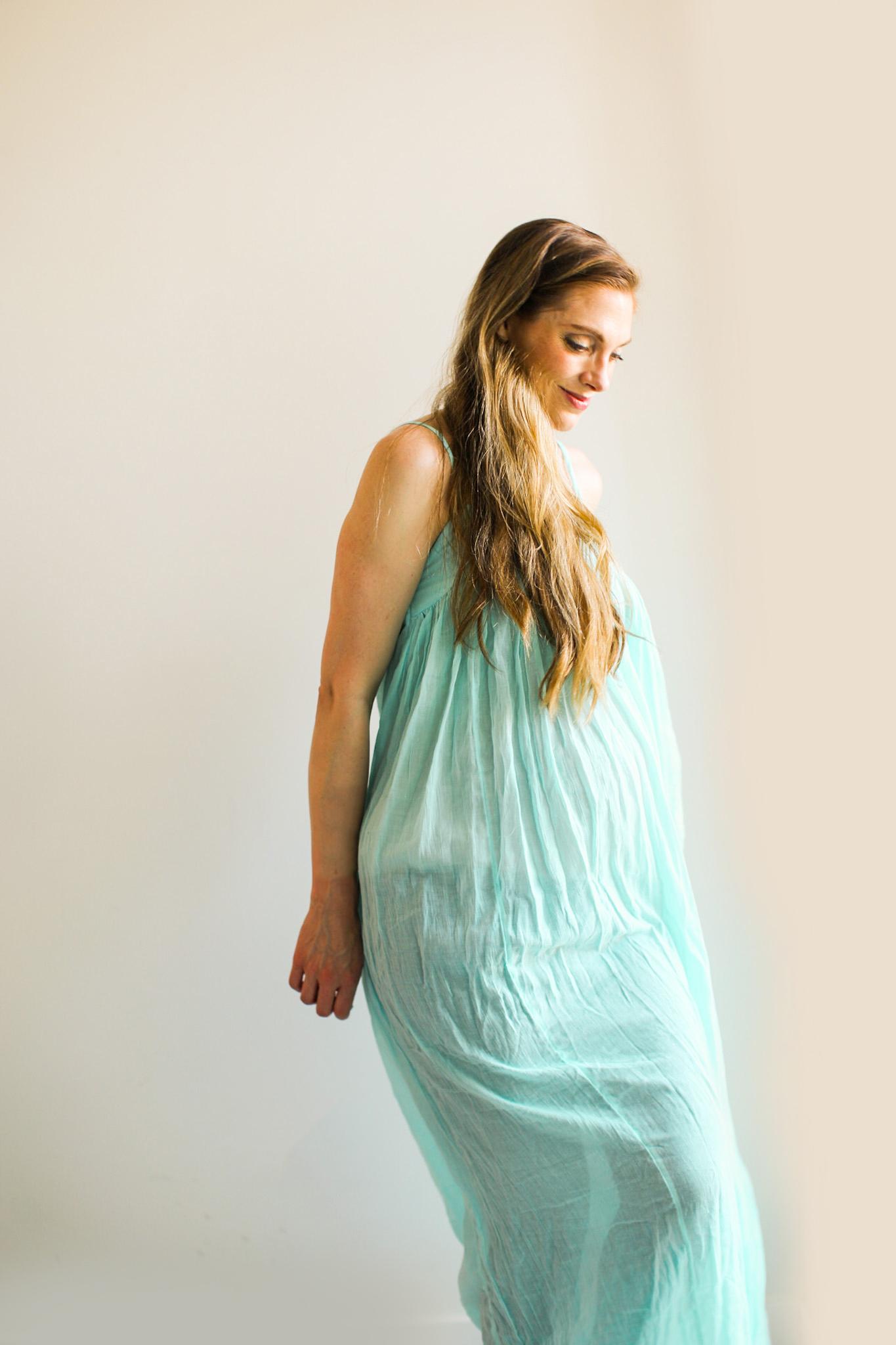 kathy grávida 37 semanas vestido aqua maternidade